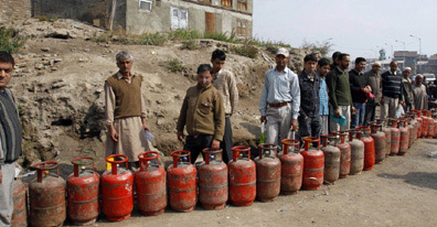 LPG cash subsidy in Delhi, Mumbai from today