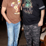 kapil-sharma-and-host-vicky-tejwani-at-the-100-episode-celebration-of-comedy-nights-with-kapil-at-levo-lounge