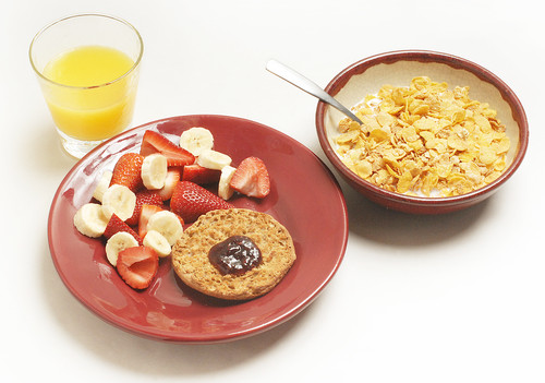 Eating breakfast helps you to reduces cravings, overeating