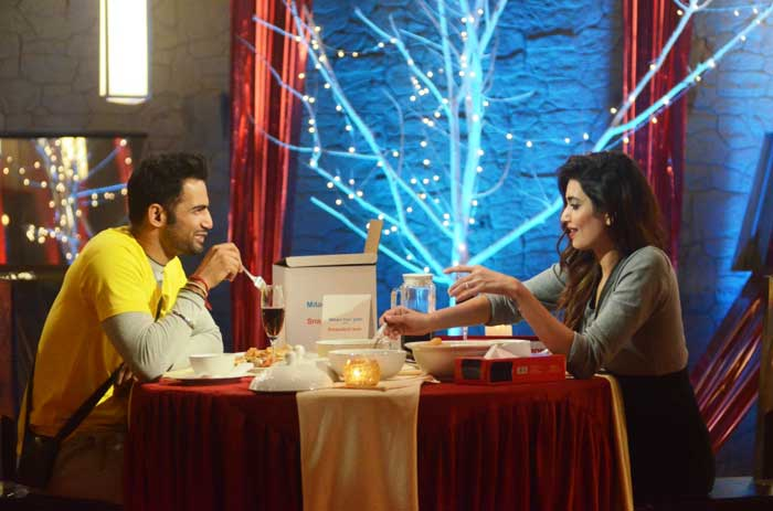 Bigg Boss 8: Upen, Karishma on a Dinner Date