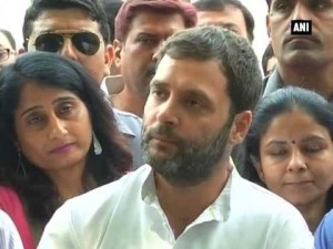 Rahul meets homebuyers of Delhi and NCR